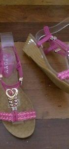 Joyy heart sandals