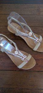Auyi sandals